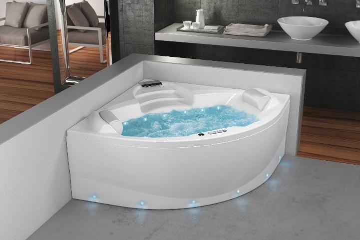 Salle de bain : le luxe d'une baignoire douche spa, ou d'une baignoire à hydromassage