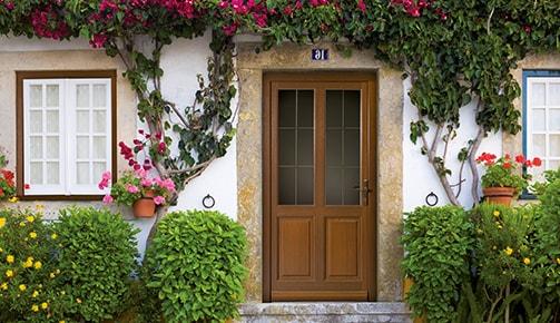 Une charmante porte d'entrée suisse Tryba